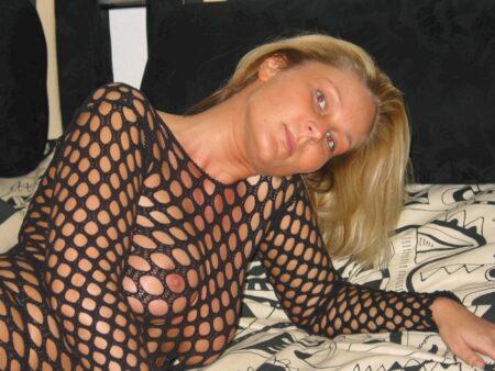 Coquine sexy cherche son libertin pour un plan sexe
